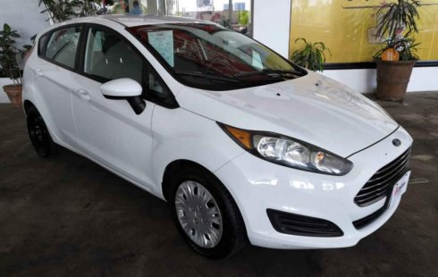 Quiero vender inmediatamente mi auto Ford Fiesta 2015 muy bien cuidado