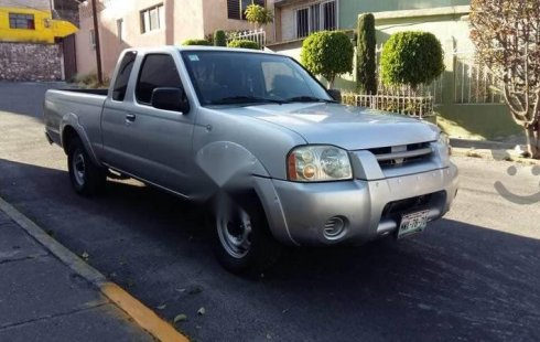 Vendo un carro Nissan Frontier 2002 excelente, llámama para verlo