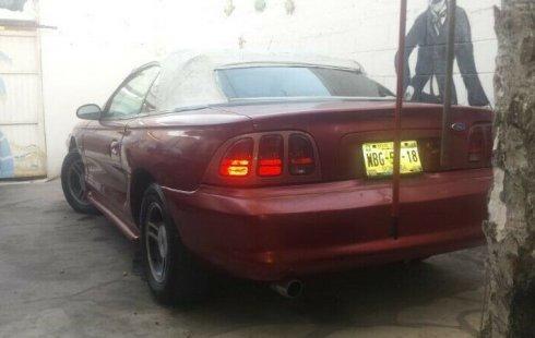 Tengo que vender mi querido Ford Mustang 1999 en muy buena condición
