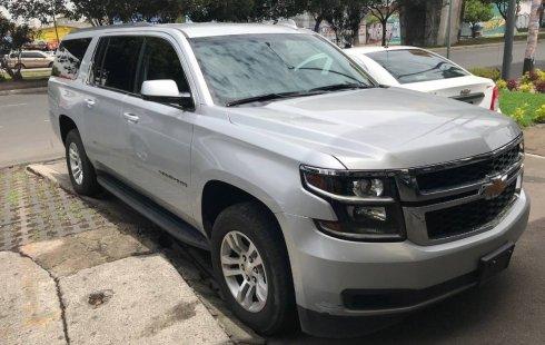 Pongo a la venta cuanto antes posible un Chevrolet Suburban que tiene todos los documentos necesarios