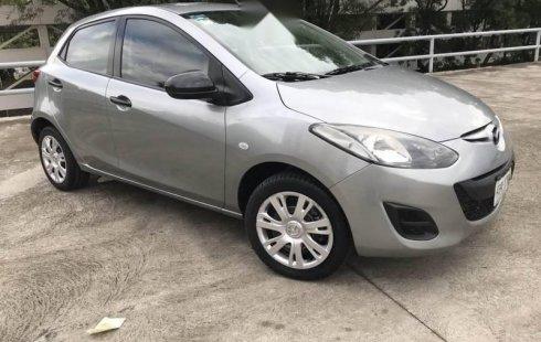 En venta un Mazda 2 2013 Automático en excelente condición