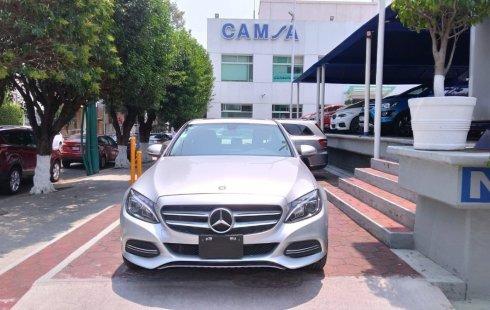 Me veo obligado vender mi carro Mercedes-Benz Clase C 2015 por cuestiones económicas
