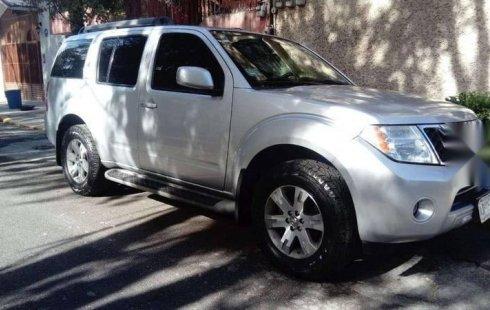 Tengo que vender mi querido Nissan Pathfinder 2011 en muy buena condición