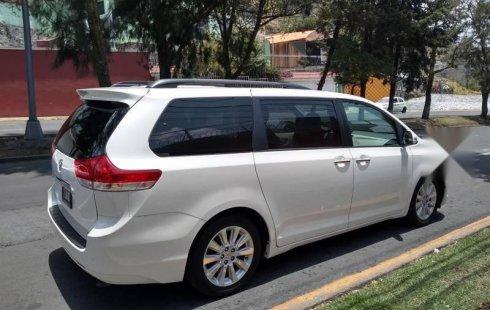 Quiero vender inmediatamente mi auto Toyota Sienna 2014