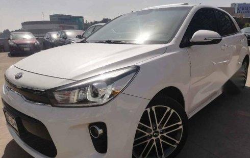 Quiero vender urgentemente mi auto Kia Rio 2018 muy bien estado