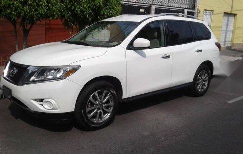 Tengo que vender mi querido Nissan Pathfinder 2013 en muy buena condición