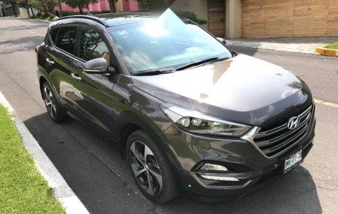 Carro Hyundai Tucson 2016 de único propietario en buen estado