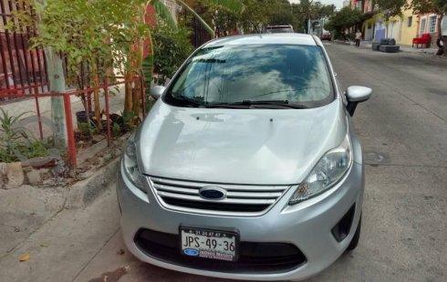 Quiero vender urgentemente mi auto Ford Fiesta 2012 muy bien estado