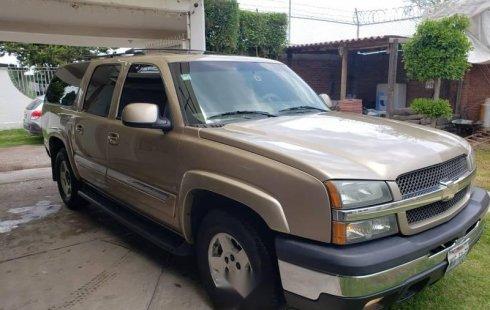 Tengo que vender mi querido Chevrolet Suburban 2006 en muy buena condición