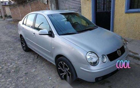 Quiero vender urgentemente mi auto Volkswagen Polo 2004 muy bien estado