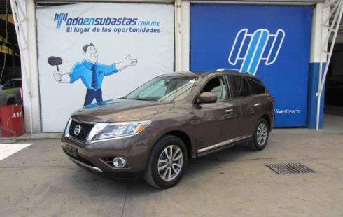 Quiero vender cuanto antes posible un Nissan Pathfinder 2015