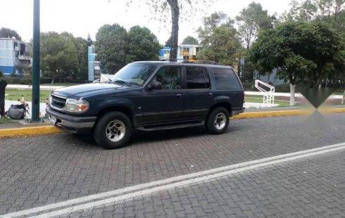 Quiero vender inmediatamente mi auto Ford Explorer 1998 muy bien cuidado