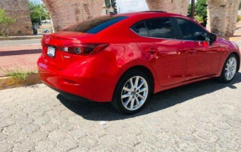 Un carro Mazda 3 2018 en Chihuahua
