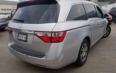 Vendo un carro Honda Odyssey 2011 excelente, llámama para verlo