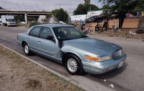 Me veo obligado vender mi carro Ford Grand Marquis 1995 por cuestiones económicas