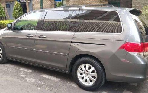 Quiero vender un Honda Odyssey en buena condicción