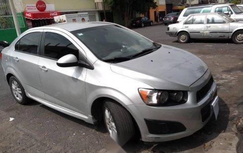 Un carro Chevrolet Sonic 2012 en Gustavo A. Madero