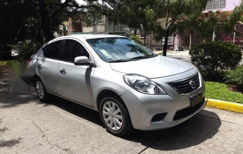 Quiero vender urgentemente mi auto Nissan Versa 2014 muy bien estado