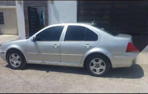 Un carro Volkswagen Jetta 1999 en Mazatlán