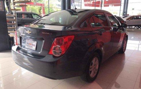 Carro Chevrolet Sonic 2013 de único propietario en buen estado