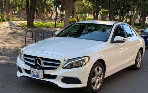 Coche impecable Mercedes-Benz Clase C con precio asequible