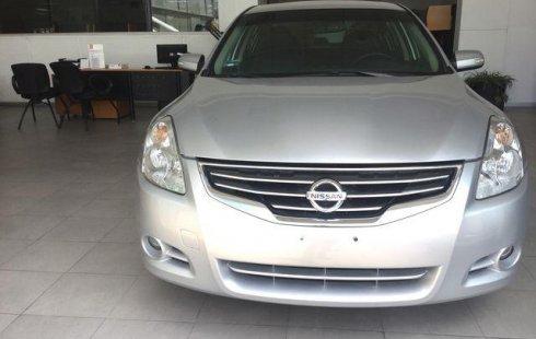Me veo obligado vender mi carro Nissan Altima 2012 por cuestiones económicas