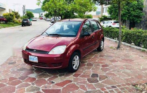 Ford Fiesta impecable en León más barato imposible