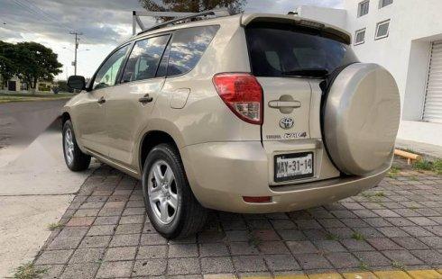 Tengo que vender mi querido Toyota RAV4 2007 en muy buena condición