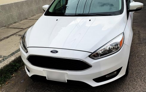 Ford Focus Hatchback 2.0 2016 AT Como Nuevo