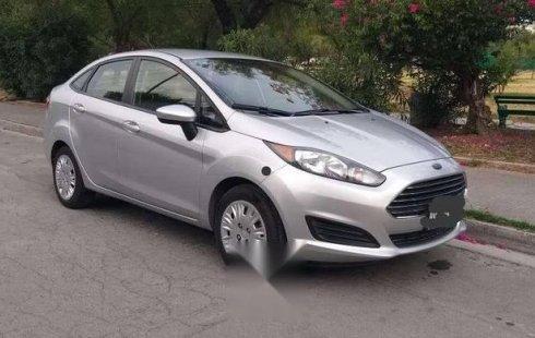 Quiero vender inmediatamente mi auto Ford Fiesta 2014
