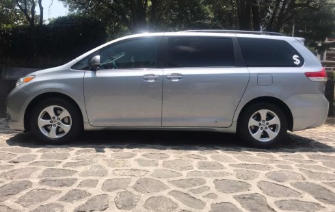 Toyota Sienna 2011 en Iztacalco