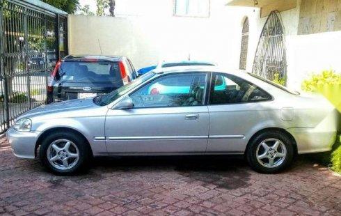 Me veo obligado vender mi carro Honda Civic 2000 por cuestiones económicas