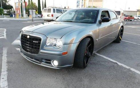 Pongo a la venta cuanto antes posible un Chrysler 300 en excelente condicción