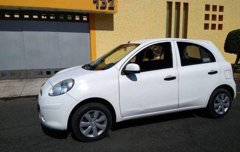 Carro Nissan March 2012 de único propietario en buen estado