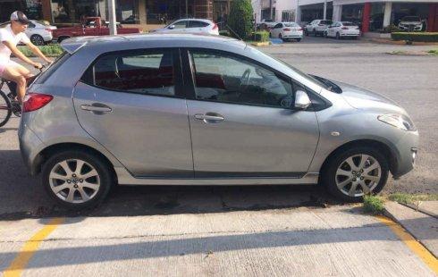Quiero vender inmediatamente mi auto Mazda Mazda 2 2014