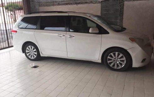 En venta un Toyota Sienna 2014 Automático muy bien cuidado
