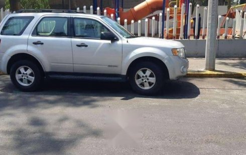 Vendo un Ford Escape por cuestiones económicas