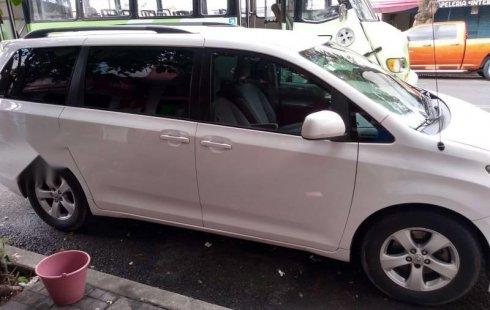 Se vende urgemente Toyota Sienna 2011 Automático en Gustavo A. Madero