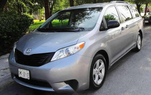 Toyota Sienna impecable en Guadalupe