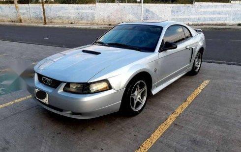 Tengo que vender mi querido Ford Mustang 1999