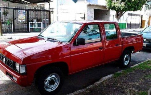 Nissan NP300 2006 barato en Querétaro