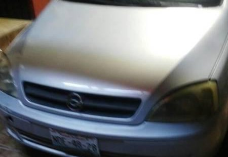 Pongo a la venta cuanto antes posible un Chevrolet Corsa que tiene todos los documentos necesarios