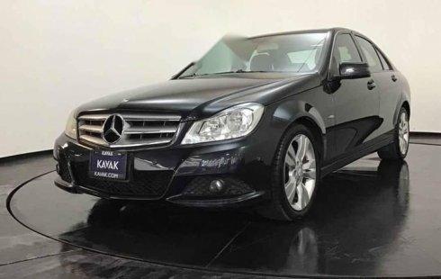Quiero vender un Mercedes-Benz Clase C en buena condicción