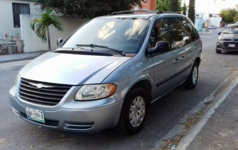 Urge!! Vendo excelente Chrysler Voyager 2005 Automático en en Nuevo León