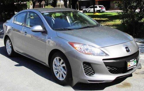Un carro Mazda 3 2012 en Guadalupe