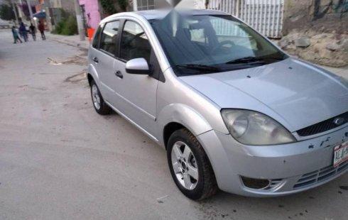 Quiero vender urgentemente mi auto Ford Fiesta 2003 muy bien estado