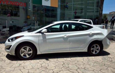 Hyundai Elantra Automático