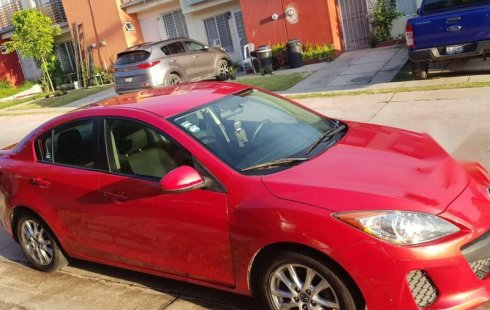Quiero vender inmediatamente mi auto Mazda 3 2012