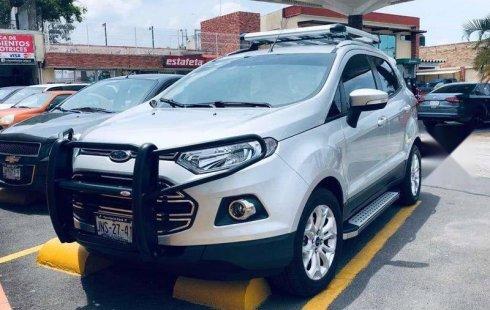 Coche impecable Ford EcoSport con precio asequible