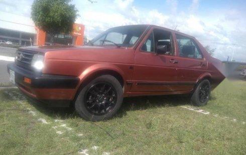 Un carro Volkswagen Jetta 1987 en Atizapán de Zaragoza